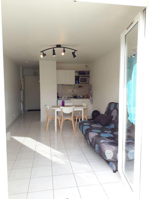 Beau studio meubl 26m2 jardin piscine collective appartements louer la rochelle poitou - Studio meuble la rochelle ...