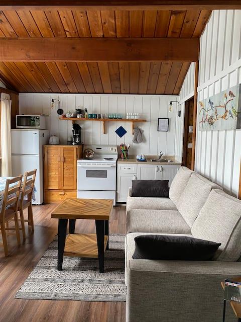 Maple Ridge Cottages - Cottage #3 (2 bedrooms)