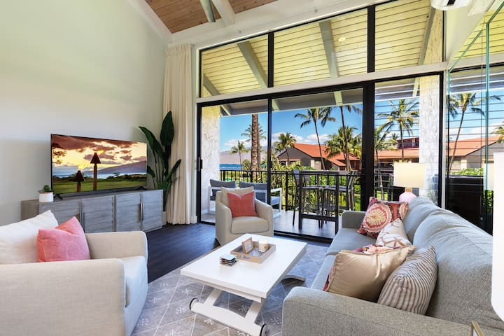 Modern Oceanfront Condo w/ Amazing Views & Cold AC