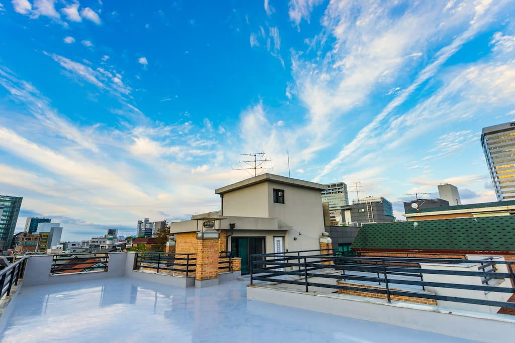Your private rooftop with Gangnam skyline