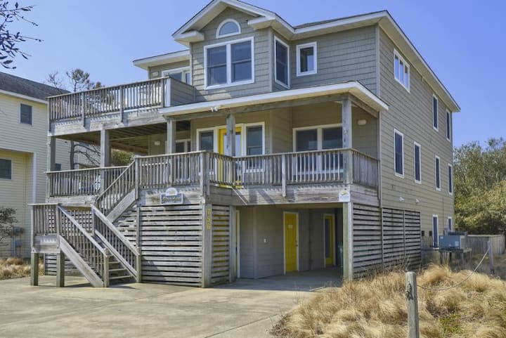 1614* Shore Is Sweet* 3 min. walk to beach access* Private Pool* 8 person Hot tub