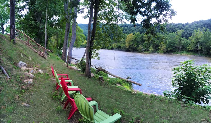 MoonDance River, Romantic Luxury Cabin & Hot Tub