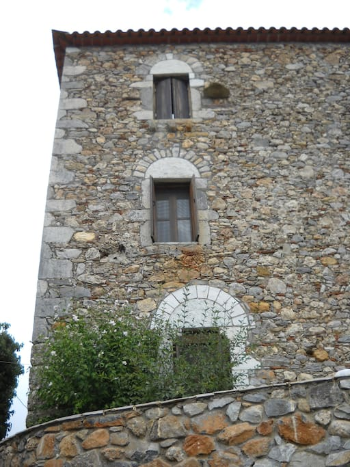 """Ο Πέτρινος Πύργος, όψη από τον δρόμο / Our Stone """"Pirgos"""" road view"""