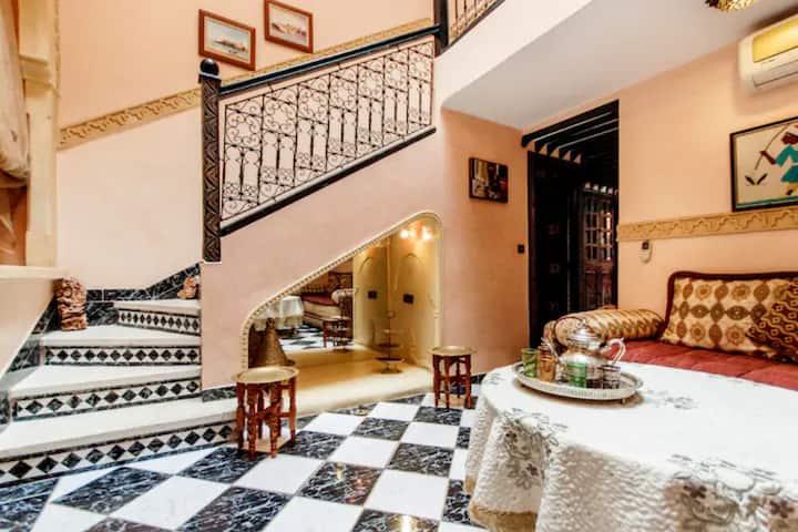 Riad Anbar Marrakesh - lovely w/ private terrace!