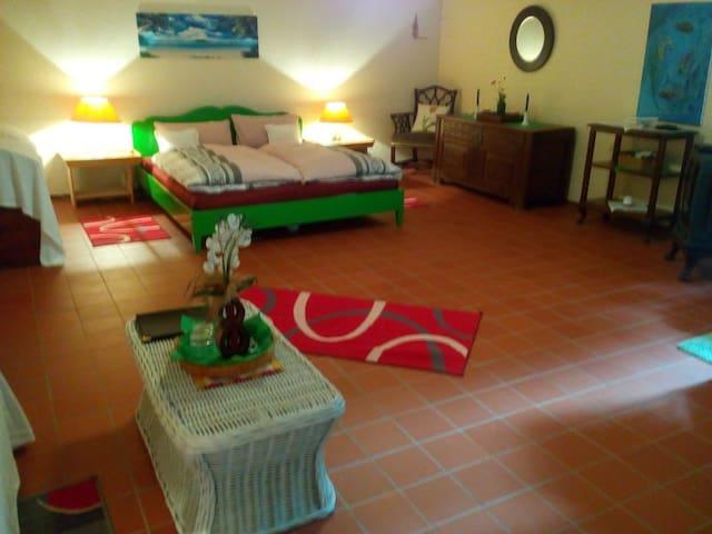 Zimmer mit 4 Betten, 40 qm, Fußbodenheizung, Ansicht 1