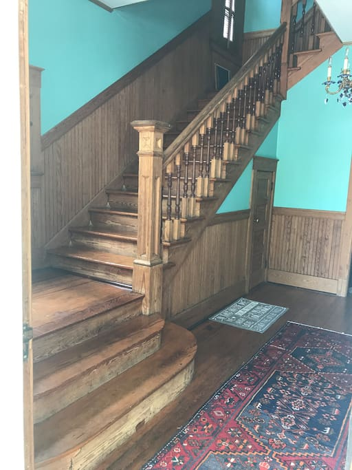 Foyer and staircase to 2nd floor