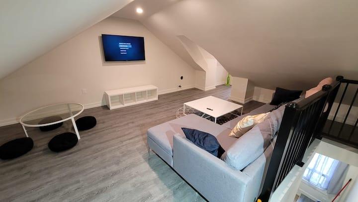New Bohemian two-level loft in the heart of Hamilton