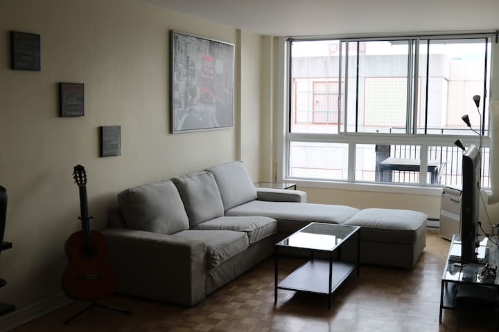 Cozy condo in the heart of Downtown Montreal