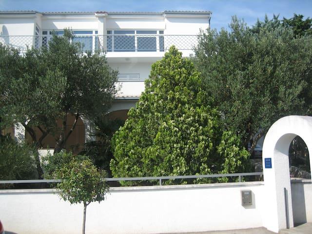 Apartman P (Paola)