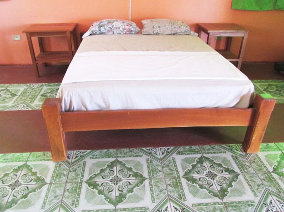 Queen size bed & night tables
