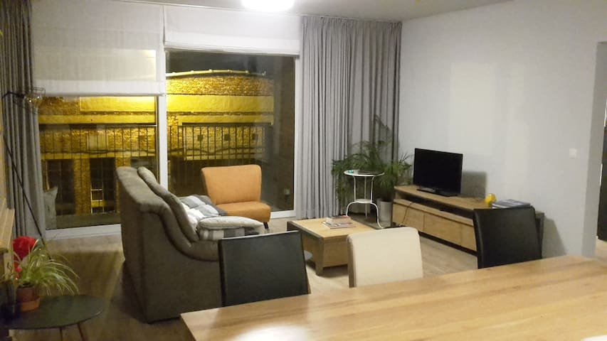calm appartement in an amazing neighbourhood - Antwerp - Apartemen