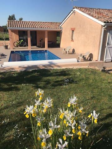 Villa au calme à la campagne avec piscine