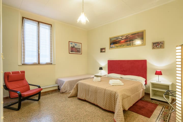 Full private one-bedroom apartment in Siena center