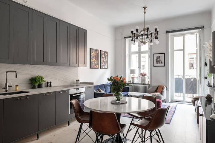 Luxury 2 bed/2 bath apt in the heart of Stockholm
