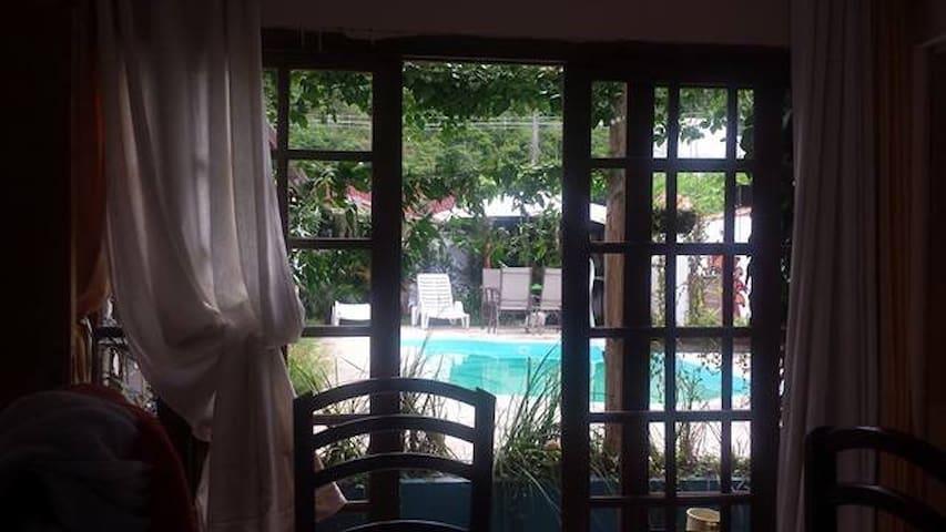 Casa perto da praia Martim de Sá - Caraguatatuba - Talo