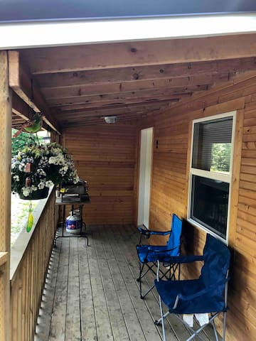 Deck: seating and bbq.