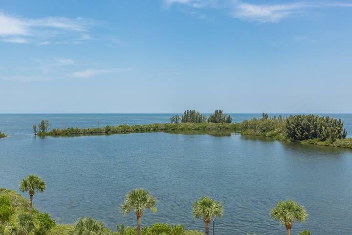 Gulf Island Paradise condo 2nd Floor