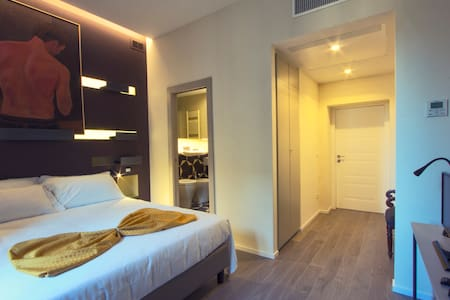 NEW ROOM IN CENTER WITH PRIVATE BATHROOM Ametista - Rome