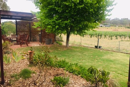 Clare Valley Cottage In the Vines