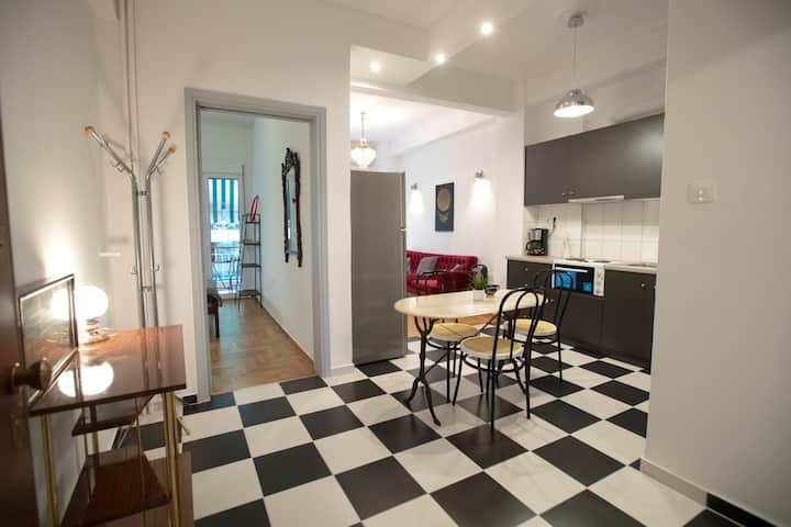 Fabulus artistic apartment 2 rooms in Athens