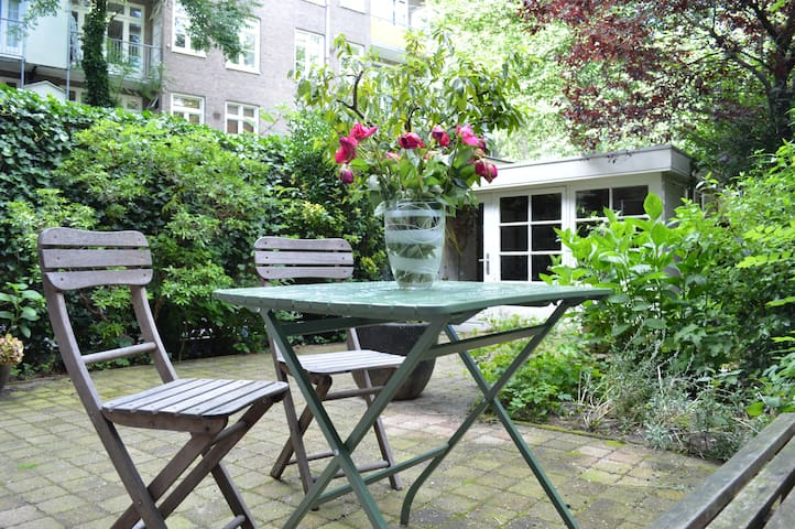 Cozy and romantic garden apartment at Oud-Zuid - Amsterdam - Apartment