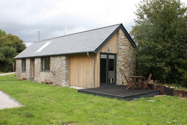 Quiet cottage in rural Devon near sea and moors