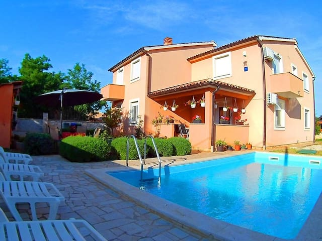 Apartment Sole with Swimming Pool - Bellamar