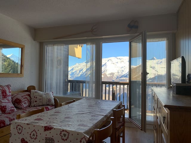 Renovated apartment on piste with amazing views