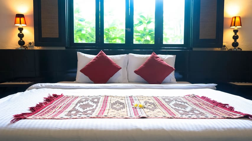 A. Cozy1BR+ensuite, shared pool villa in Seminyak