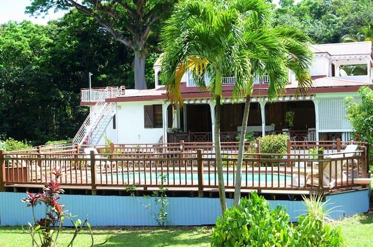 Espacioso apt con piscina & terraza