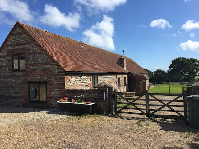 Barn conversion with sea views. - East Sussex