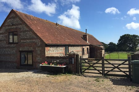 Barn conversion with sea views. - East Sussex - Annat