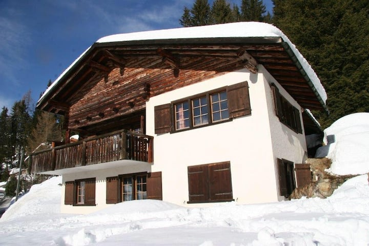 Davoser Villa Chalet mit Weitblick