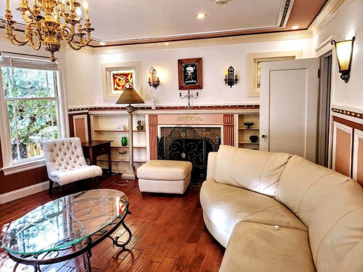 Elegantly Renovated ►Northside 2BR 2BA Townhome