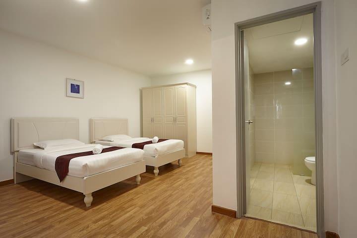KLIA & KLIA2&F1(1 King&1Twin D6)@Sri Beverly Hills - Nilai - Byt