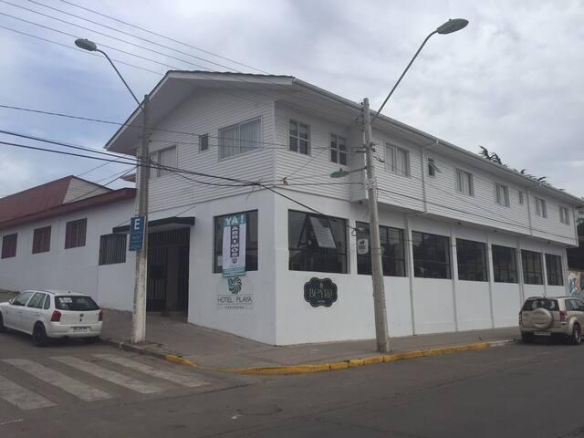 Alojamiento frente a la Playa Chica