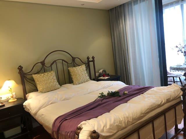太湖旅游度假区/太湖之星/紧临太湖的180度一线湖景房公寓