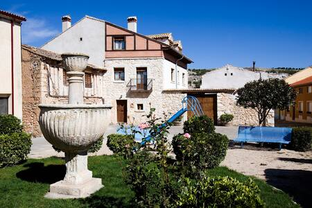 Casa rural Al Agrego Sol y Al Agrego Sombra - Melida de Peñafiel - Apartemen