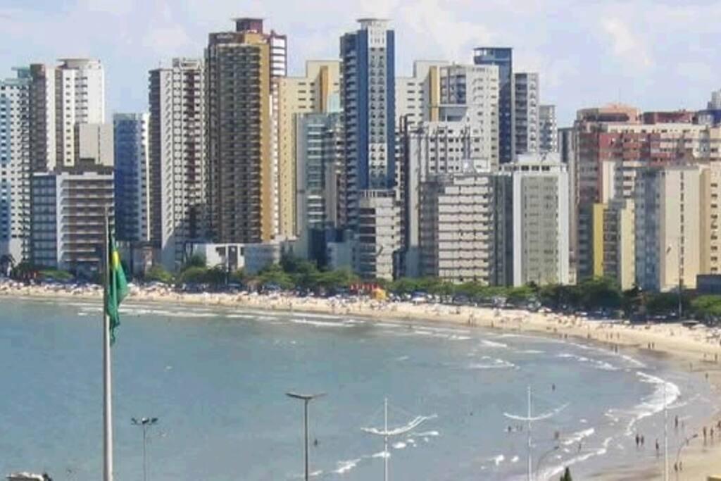 Praia central de Balneário Camboriu - fica a uns 700 metros do apartamento