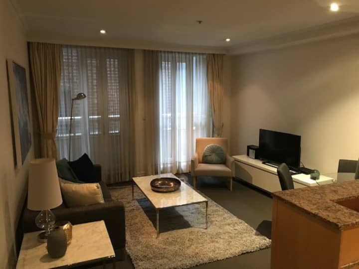 Huge Exec Apartment - Fantastic CBD Location B201