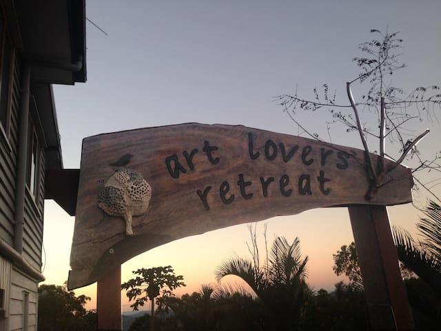 Art Lovers Retreat