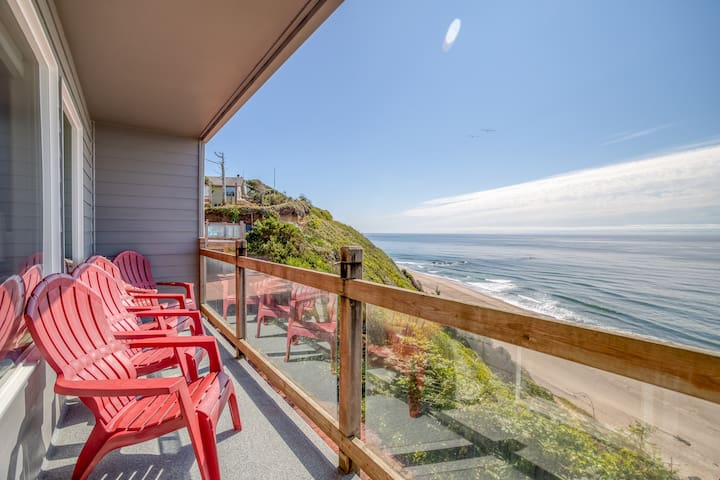 Storm Watchers Pointe - Oceanfront Townhome with Stunning Ocean View and Private Access!