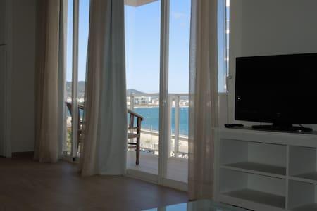 Apartamento en 1ª Línea de mar. - Sant Antoni de Portmany - Pis