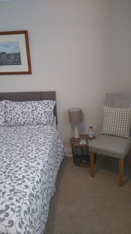 Single Room with a double bed, come stay