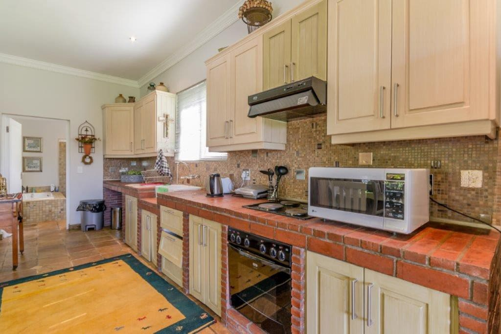 Fully equipped kitchen with all the appliances.