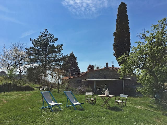Country home and barn near Florence - Donnini - บ้าน
