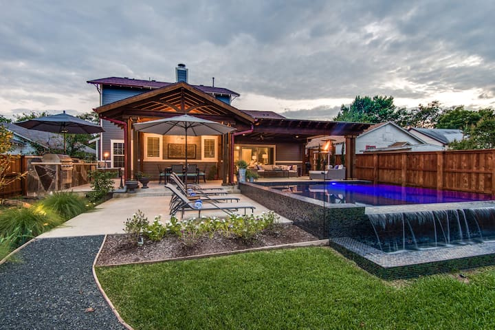 Beautiful Craftsman Style Home Downtown McKinney