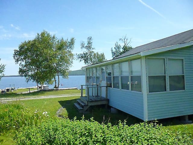 Moosehead Lake Cottage in Rockwood - Rockwood - Cabaña
