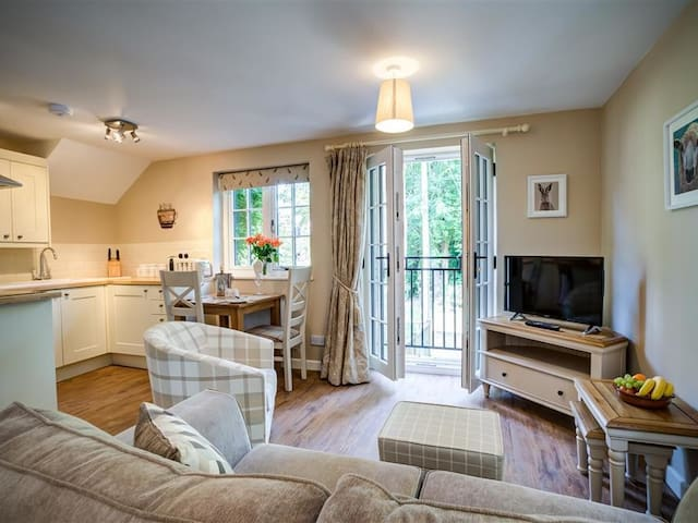 CIDER PRESS, character holiday cottage in Burford, Ref 992255