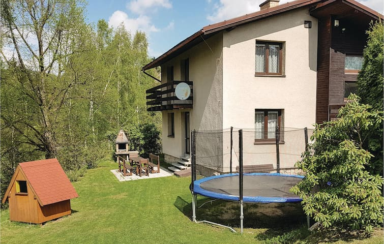 Holiday cottage with 4 bedrooms on 135m² in Desná Ii